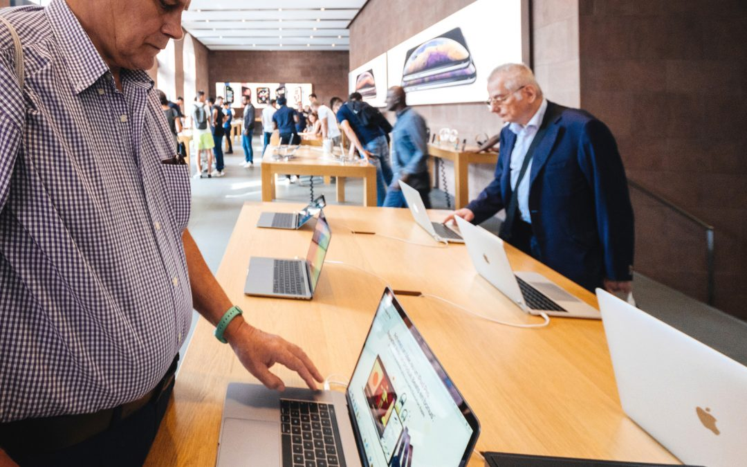 The Apple User Experience: Creating Programs to Help Seniors